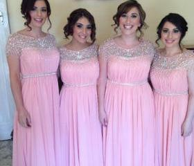 Round neck bridesmai..